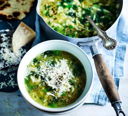 Green pesto minestrone