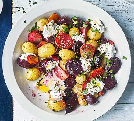 Potatoes & beets with curd, caraway & flaxseed oil