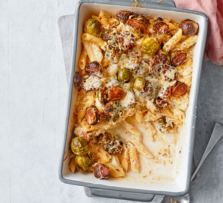 Cheesy sprout pasta bake