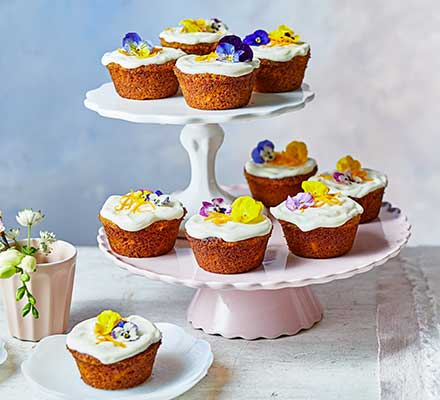Little carrot cakes with orange & honey syrup