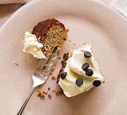 Tahini banana cake