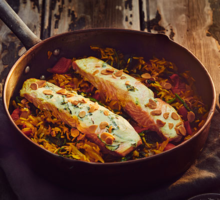 Spinach kedgeree with spiced salmon