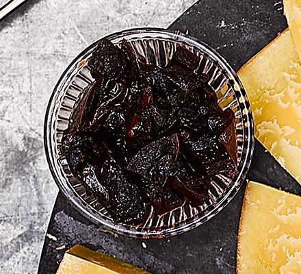 Beetroot, grape & apple relish
