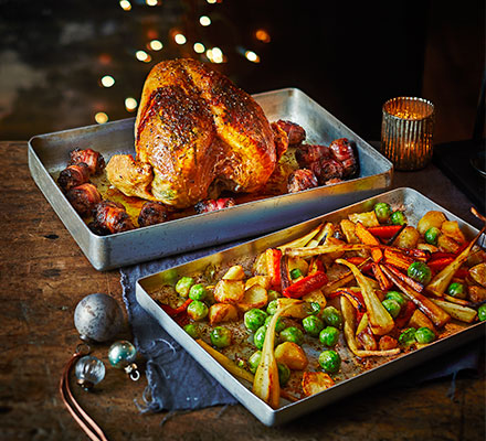 Two-tray Christmas dinner