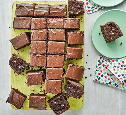Chocolate chip traybake