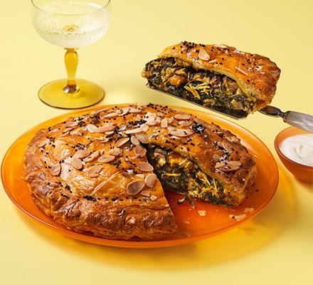 Coronation chicken pie