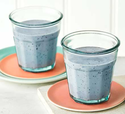 Blueberry & banana power smoothie