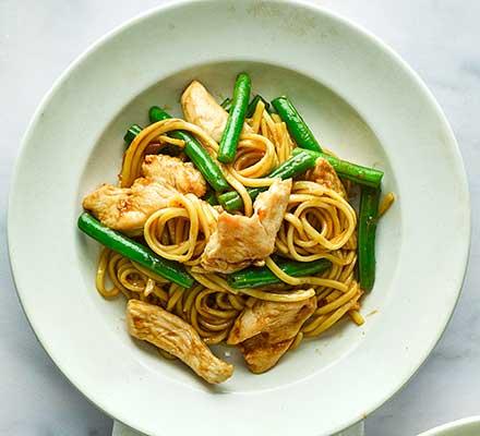 Ginger chicken & green bean noodles
