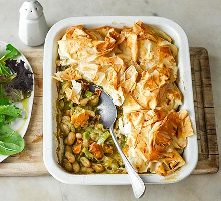 Creamy leek, pesto & squash pie