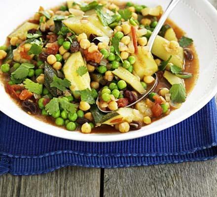 Vegetable tagine with chickpeas & raisins