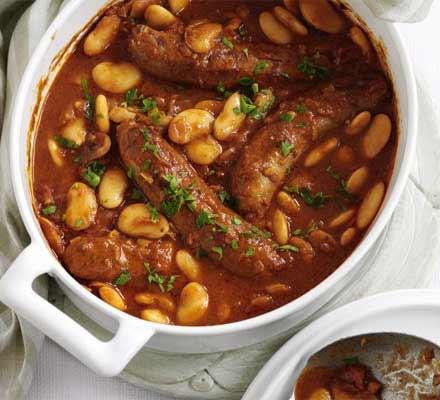 Bean & sausage hotpot