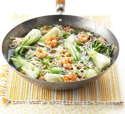 Super-fast prawn noodles