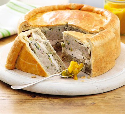Chicken & stuffing picnic pie