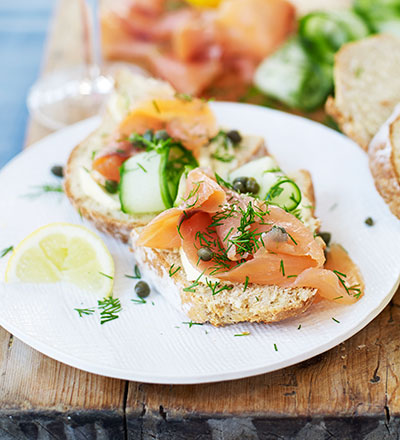 Smoked salmon, cucumber, capers & soda bread