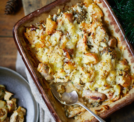Roast potato, turkey, sausage & stuffing pie