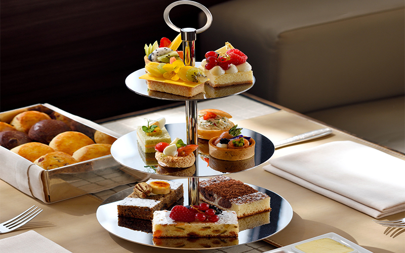 We love this new Afternoon Tea menu in Dubai with a golden twist