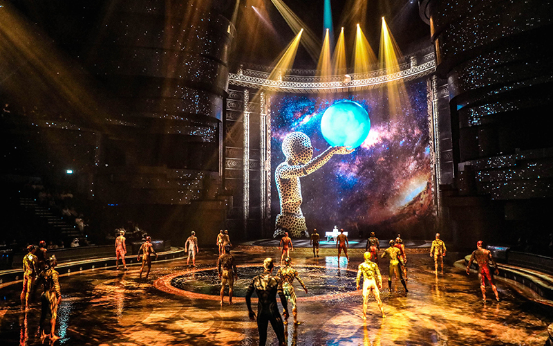 La Perle celebrates 500 shows with a dinner and show deal for AED 500