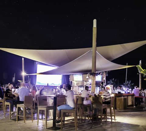 Dubai beach bar slashes prices for #10YearChallenge