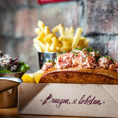 Win 1 of 2 Burger & Lobster UAE vouchers, worth AED 500!