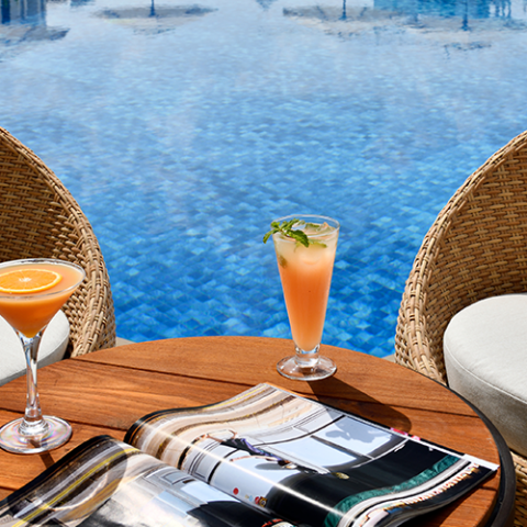 WIN WEEKEND POOL ACCESS WITH FOOD & DRINKS FOR 8 PEOPLE AT MOVENPICK HOTEL APARTMENTS DOWNDOWN DUBAI, WORTH AED500!