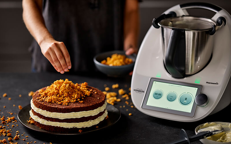 https://www.bbcgoodfoodme.com/wp-content/uploads/2020/10/int_thermomix_TM6_in-use_0016.jpg